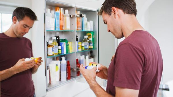چه کسانی باید مولتی ویتامین بخورند