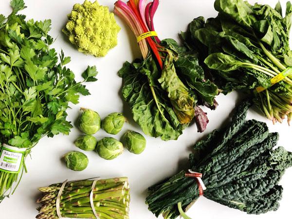 کدام سبزیحات را نباید خام مصرف کرد