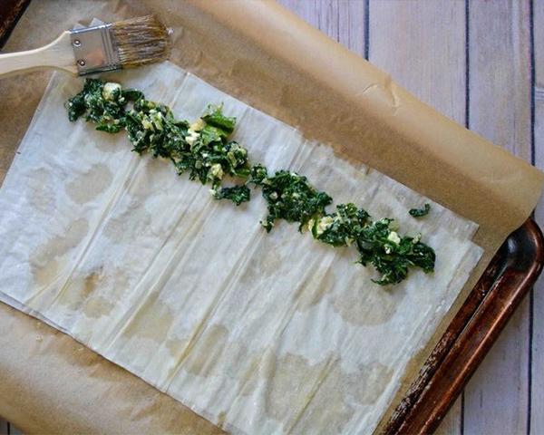 طرز تهیه بورک اسفناج و پنیر فتا