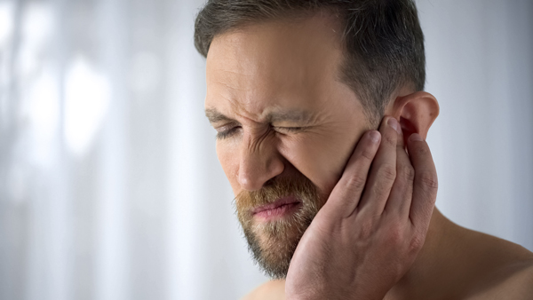 علت ابتلا به عفونت گوش میانی چیست