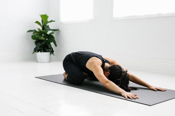 آیا حرکات یوگا برای رفع خستگی موثرند؟