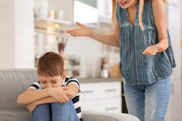 چه جملاتی را بهتر است هنگام صحبت کردن با کودکان بکار نبرد