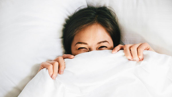 پس از بیداری سریع از رختخواب بلند نشوید