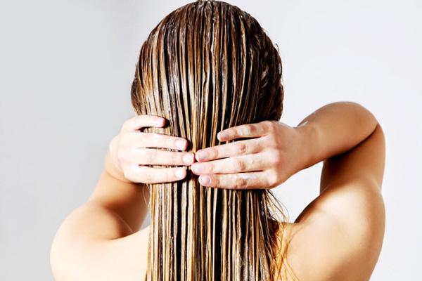 نحوه استفاده روغن نارگیل برای مو