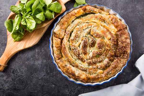 بورک اسفناج و پنیر یک غذای گیاهی و آسان