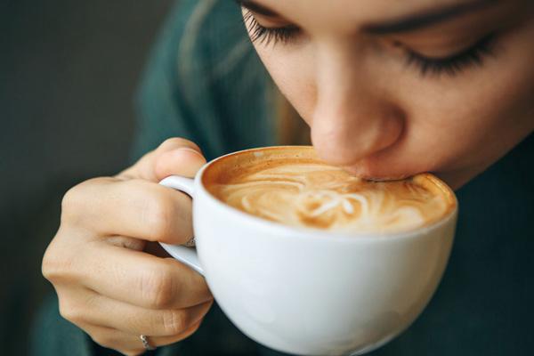 مصرف کافئین برای زنان