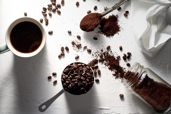 مضرات کافئین چیست