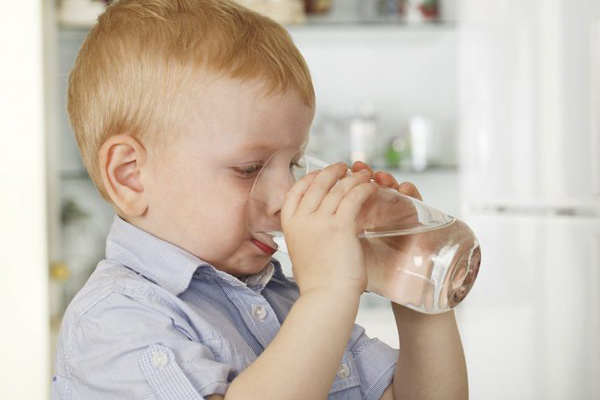 درمان گرمازدگی کودکان در خانه
