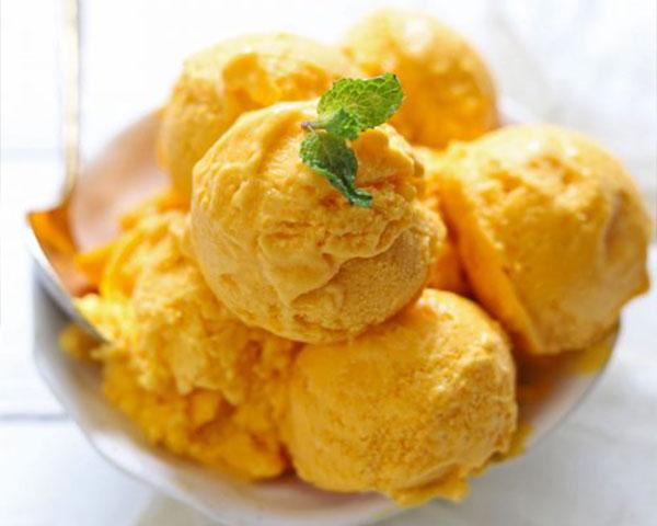 طرز تهیه بستنی انبه در خانه