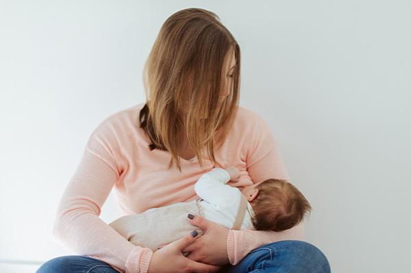 فواید شیردهی برای مادر