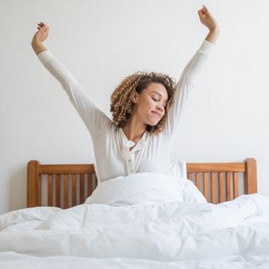 سحرخیزی در تعطیلات - چگونه صبح زود راحت بیدار شویم