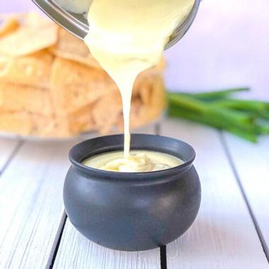طرز تهیه سس پنیر چدار