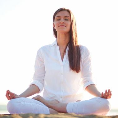 درمان مشکلات تیروئید با تمرینات یوگا + تصاویر آموزشی